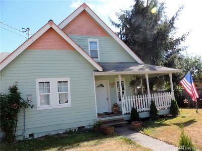 Oakville Single Family Home For Sale: 310 Oak St