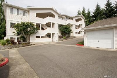 Bellevue Condo/Townhouse For Sale: 12406 SE 31st St #201