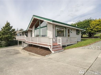 Anacortes Single Family Home For Sale: 1702 Sterling Dr