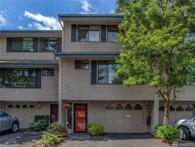 Mercer Island Condo/Townhouse For Sale: 7613 SE 29th St
