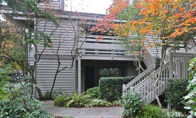 Bellevue Condo/Townhouse For Sale: 1354 Bellevue Wy NE