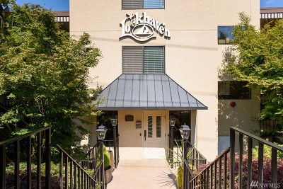 Condo/Townhouse Contingent: 3100 W Commodore Wy #206