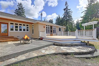 Stanwood Single Family Home For Sale: 18010 Marine Dr