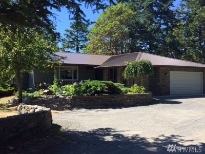 Single Family Home For Sale: 3216 Cattle Point Rd