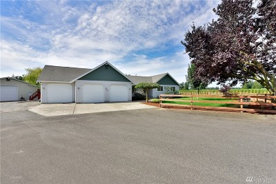 Lynden Single Family Home For Sale: 343 W 68th Lane
