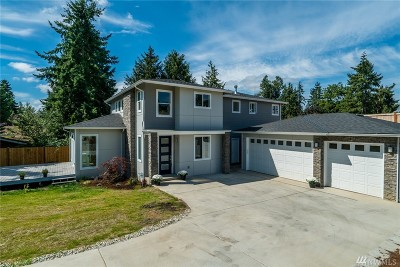 Lynnwood Single Family Home For Sale: 15508 Meadow Rd