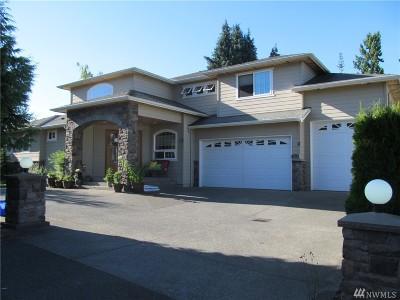 Everett Single Family Home For Sale: 215 Barbara Lane