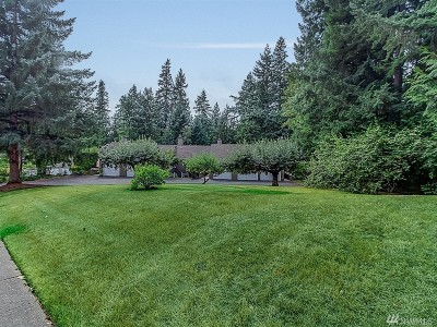 Issaquah Condo/Townhouse For Sale: 4067 220th Place SE