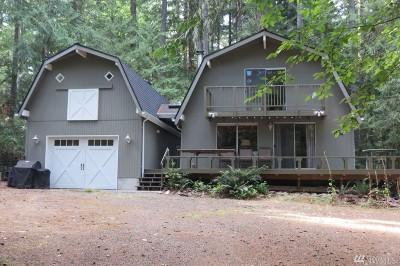 Single Family Home For Sale: 337 E Pointes Dr E