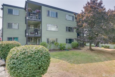 Everett Condo/Townhouse For Sale: 13007 E Gibson Rd #U138