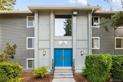 Issaquah Condo/Townhouse For Sale: 4635 W Lake Sammamish Pkwy SE #G201