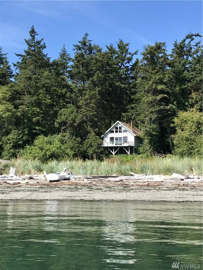 Anacortes Single Family Home For Sale: 1 Leadbetter's Sinclair