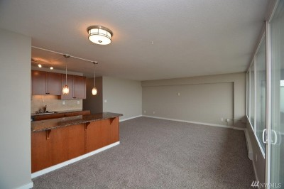 Tacoma Condo/Townhouse For Sale: 235 Broadway #460