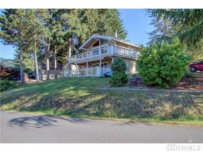 Bellingham Single Family Home For Sale: 49 North Point Dr