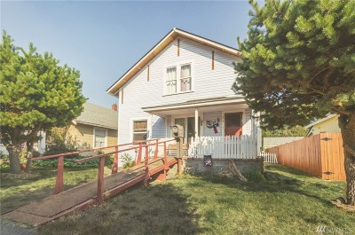 Single Family Home Sold: 412 N Oak St