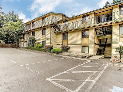 Lynnwood Condo/Townhouse For Sale: 15416 40th Ave W #C-40