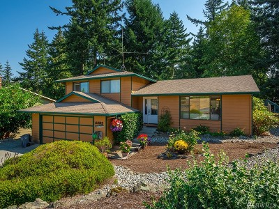 Anacortes Single Family Home For Sale: 4303 St Marys Dr