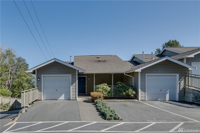 Everett Condo/Townhouse For Sale: 901 Marine View Dr #207