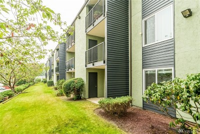 Everett Condo/Townhouse For Sale: 615 75th St SE #D-72