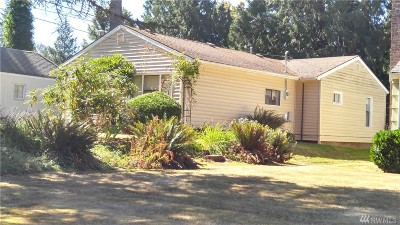 Single Family Home For Sale: 2337 Yew St Rd