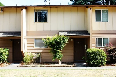 Tacoma Condo/Townhouse For Sale: 4815 S 56th St #2