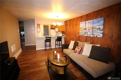 Redmond Condo/Townhouse For Sale: 13893 NE 69th St #691