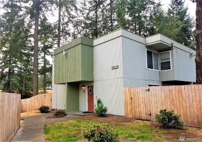 Lakewood Multi Family Home For Sale: 13071 Pacific Hwy SW #D