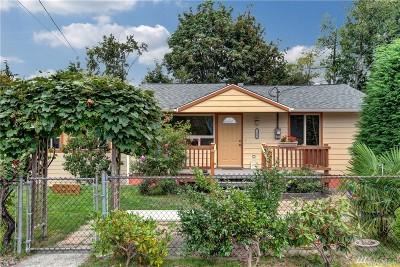 Mountlake Terrace Single Family Home For Sale: 23003 La Pierre Dr