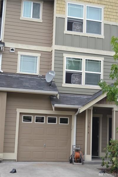 Puyallup Condo/Townhouse For Sale: 17614 79th Ave Ct E #59