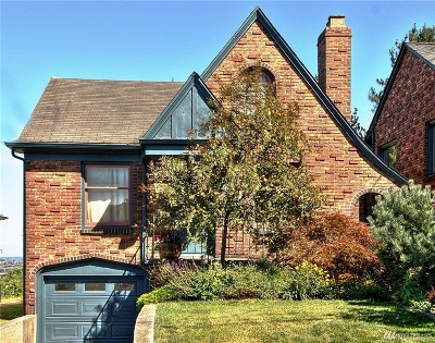 Single Family Home For Sale: 2718 Queen Anne Ave N