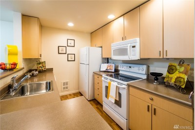 Mill Creek Condo/Townhouse For Sale: 16101 Bothell-Everett Hwy #C203