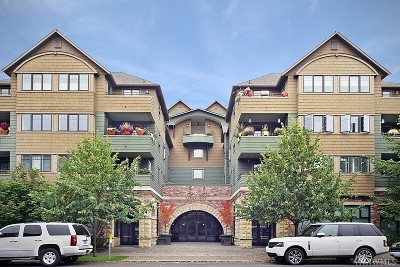 Seattle Condo/Townhouse For Sale: 4123 California Ave SW #403