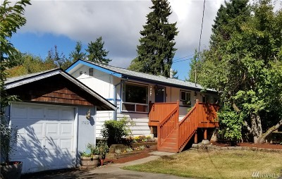 Lynnwood Single Family Home For Sale: 15612 Meadow Rd