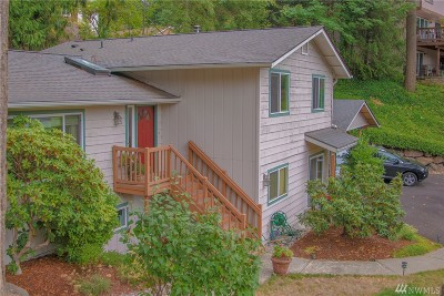 Sammamish Single Family Home For Sale: 1302 210th Ave NE