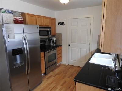 Bonney Lake Condo/Townhouse For Sale: 8403 Locust Ave E #M2