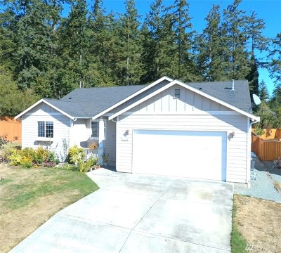 Oak Harbor Single Family Home For Sale: 1582 NW Almond Lp
