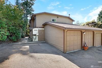 Kenmore Condo/Townhouse For Sale: 8001 NE 177th Ct #104