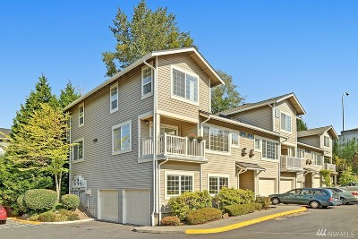Redmond Condo/Townhouse For Sale: 18542 NE 57th St