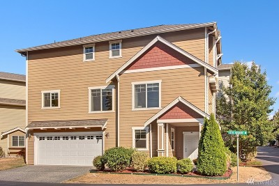 Everett Condo/Townhouse For Sale: 1227 118th Place SW