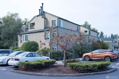 Bothell Condo/Townhouse For Sale: 20320 Bothell Everett Hwy #D202