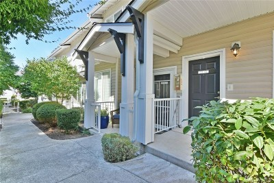 Bothell Condo/Townhouse For Sale: 14915 38th Dr SE #I1110