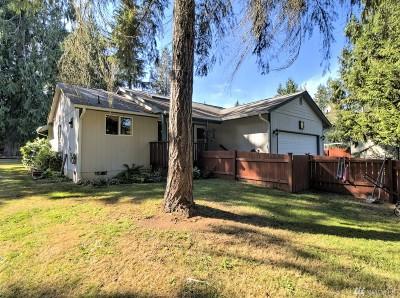 Shelton Single Family Home Pending: 221 E Agate Dr