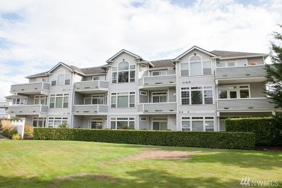 Lynnwood Condo/Townhouse For Sale: 6918 208th St SW #205