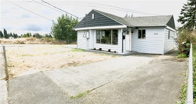 Tacoma Single Family Home For Sale: 3722 S Ash St
