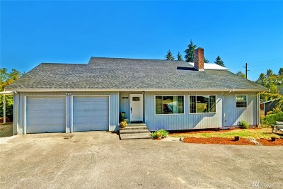 Kenmore Single Family Home For Sale: 18518 72nd Ave NE