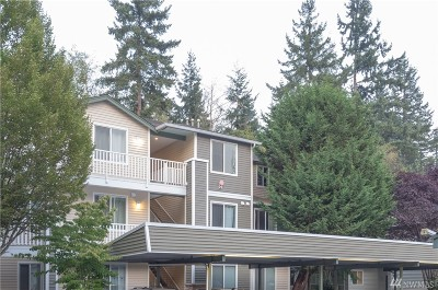 Everett Condo/Townhouse For Sale: 12530 Admiralty Wy #I304