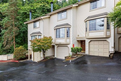 Bellevue WA Condo/Townhouse For Sale: $425,000