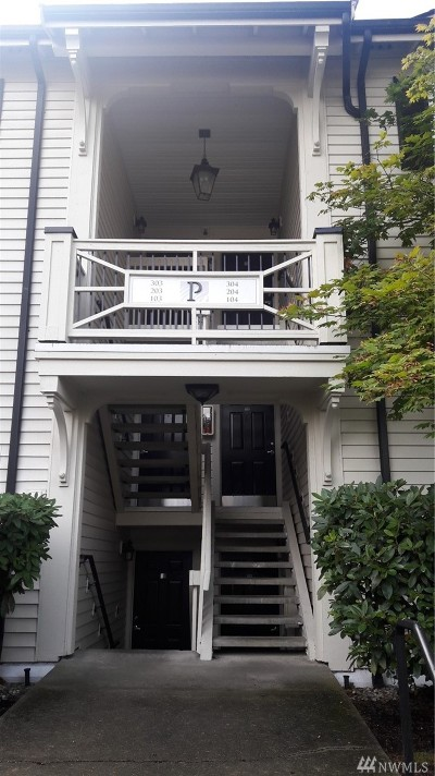 Everett Condo/Townhouse For Sale: 12404 E Gibson Rd #P304