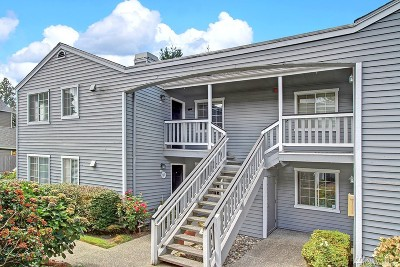 Lynnwood Condo/Townhouse For Sale: 17122 44th Ave W #D202