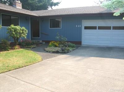 Shelton Single Family Home Pending: 40 E Springwood Ct